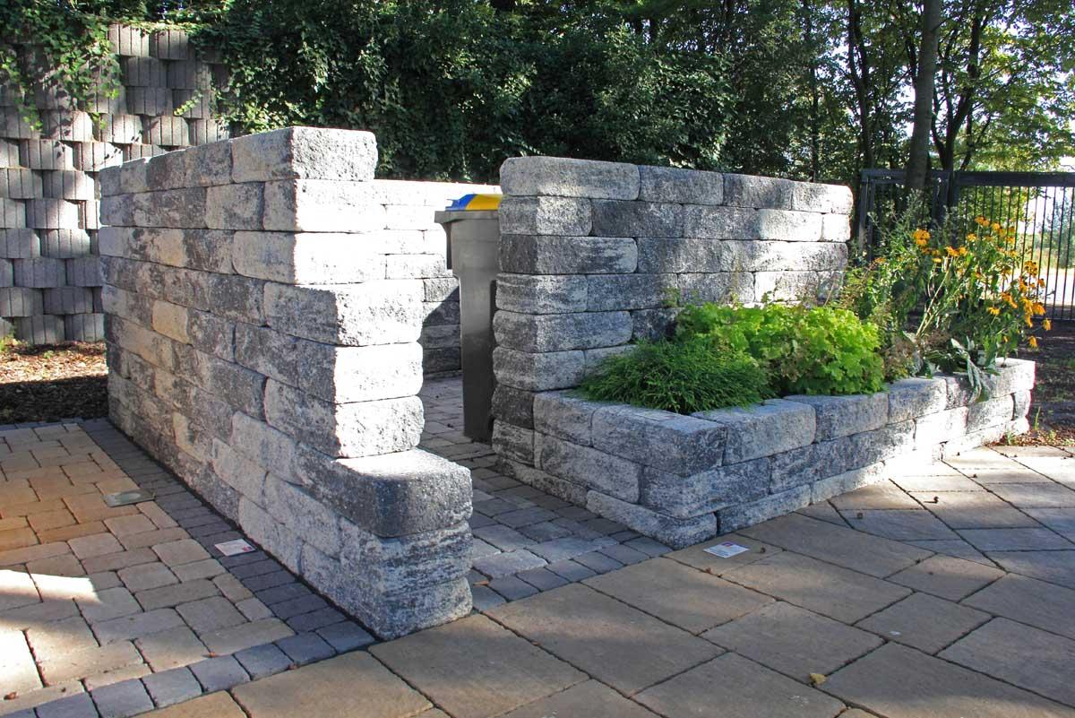 Mauern und Einfassungen